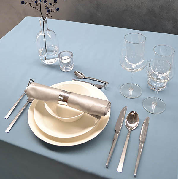 Table setting – a matter of etiquette, ease and your own taste